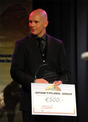 Jan van Halst met geldbedrag